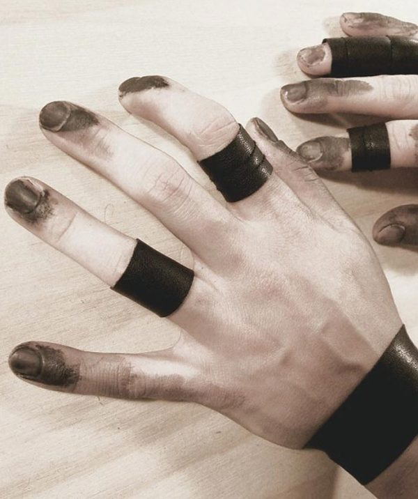 black-shield-unisex-rings-vegie-stretch-leather-rings-rannka