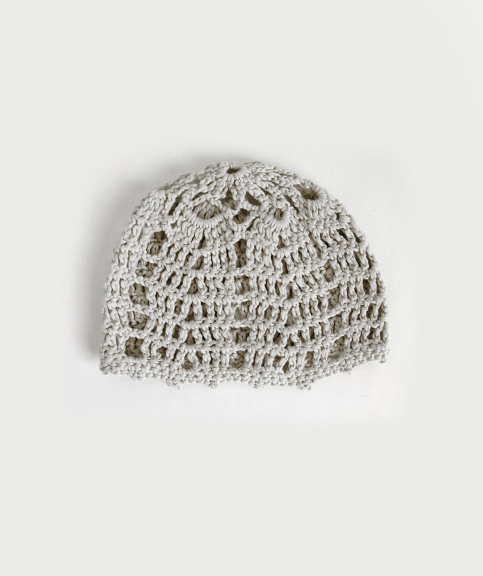 women's-light-gray-knit-cap