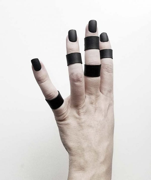 black-matte-rannka-tiny-vegan-ring