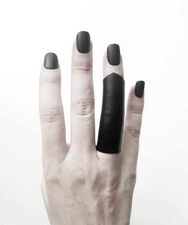 rannka-black-long-pointy-unisex-ring-vegan-leather