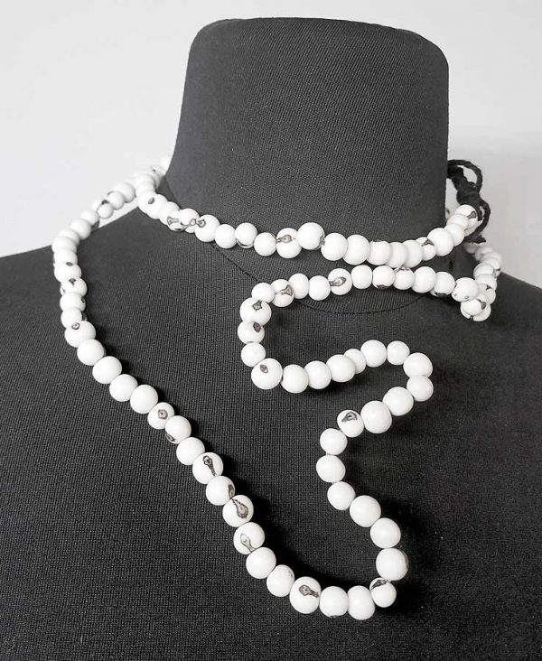 rannka-off-white-necklace-long-beads-natural-acai-seeds