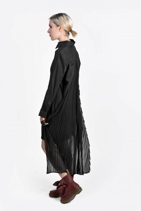 Dove tail pleated long black shirt