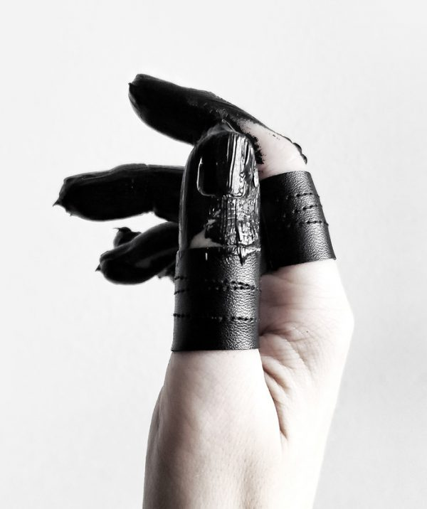 rannka-rings-black-shield-vegan-leather-unisex-ring-bands-set