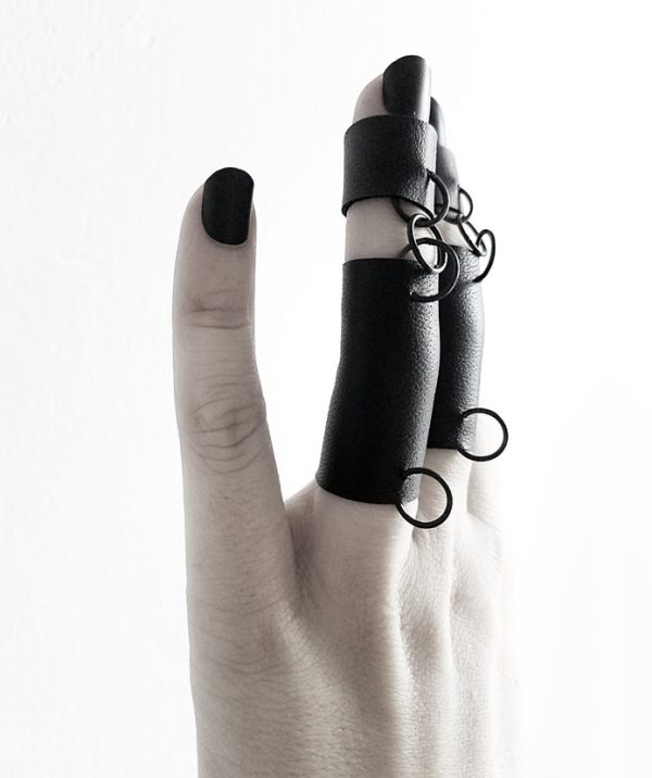 punk-rock-rings-rannka-double-pierced-bondage-rings
