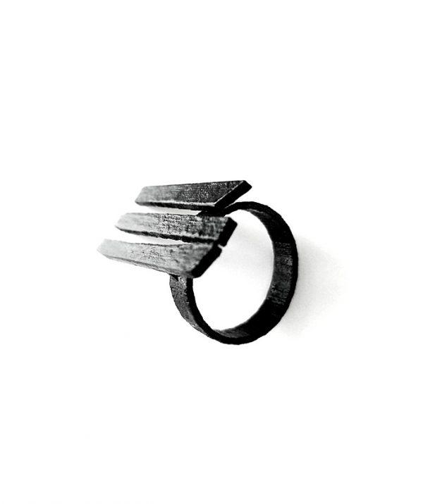 black-steel-rannka-gate-unisex-ring