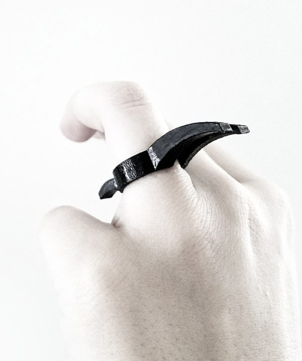 claws-black-steel-rannka-rings