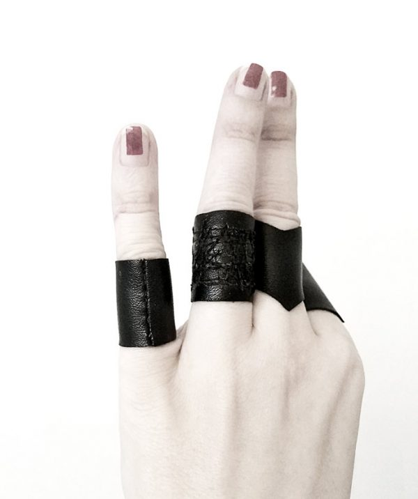 rannka-valentine-ring-set-of-four-black-rings-unisex