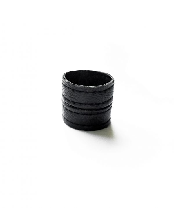 TOWER-RING-BAND-BLACK-STURDY-VEGAN-LEATHER-RAINNKA