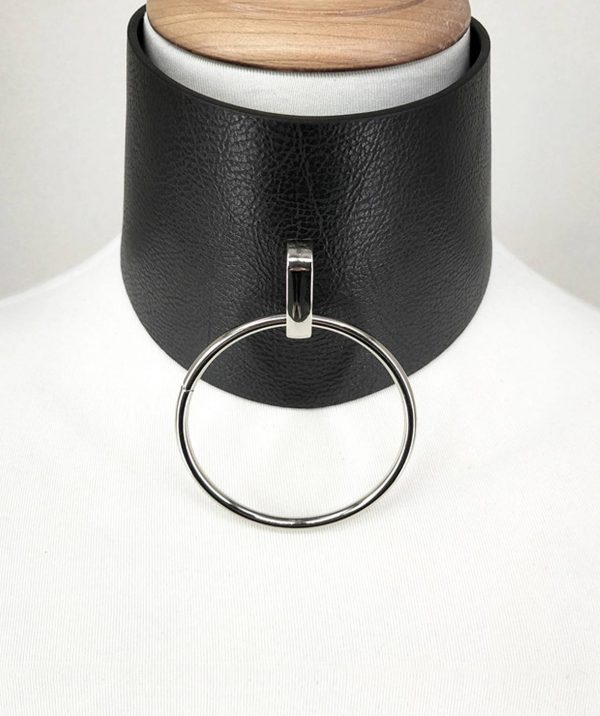 Pillar-tall-large-o-ring-choker-necklace-unisex-quality-vegan-sturdy-textured-leather-punk-rock-modern-urban-choker-(6)