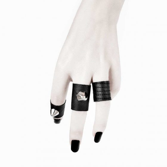 danu-ring-osdea's-rings-black-vegan-leather-rannka-armor-jewelry