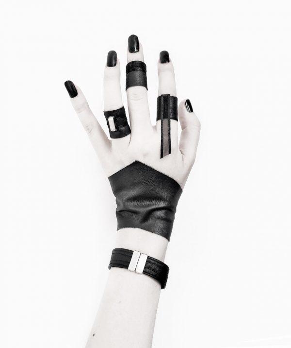 oath-ring-ribbon-ring-wasp-ring-II-bangle-guardian-cuff-rannka-armor