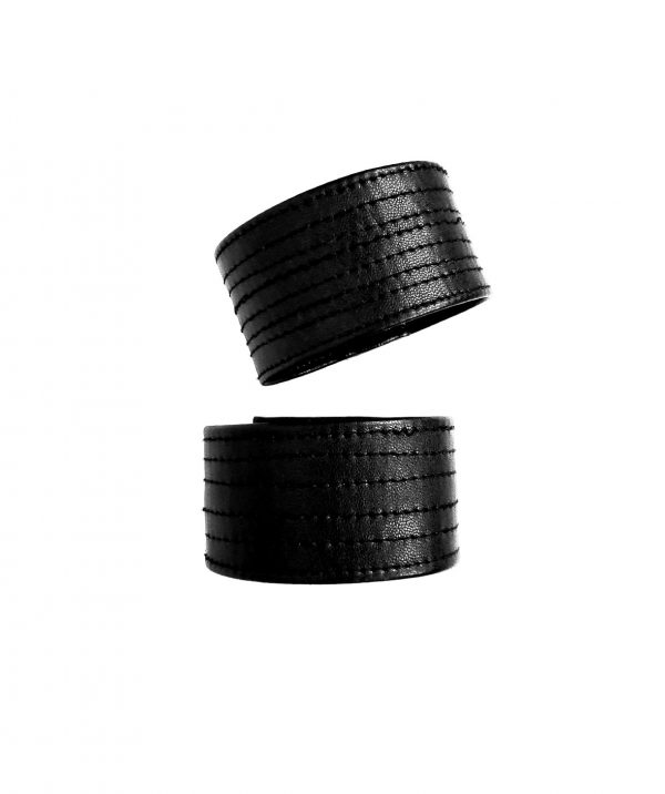 stackable-bangles-danu-bracelets-rannka-black-vegan-leather