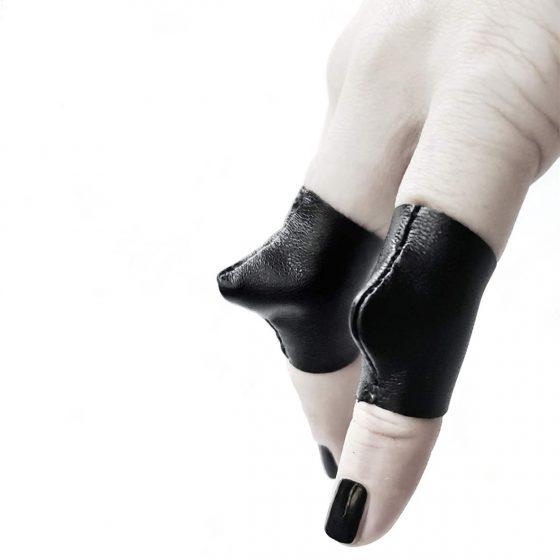 vulure-rings-rannka-avant-garde-black-leather-unisex-ring-bands