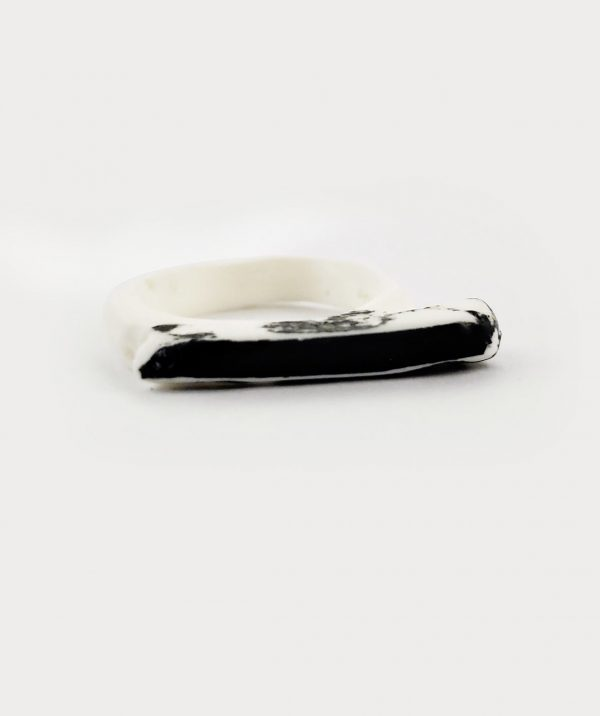 slim-black-white-art-ring-contemporary-art-jewelry-rannka