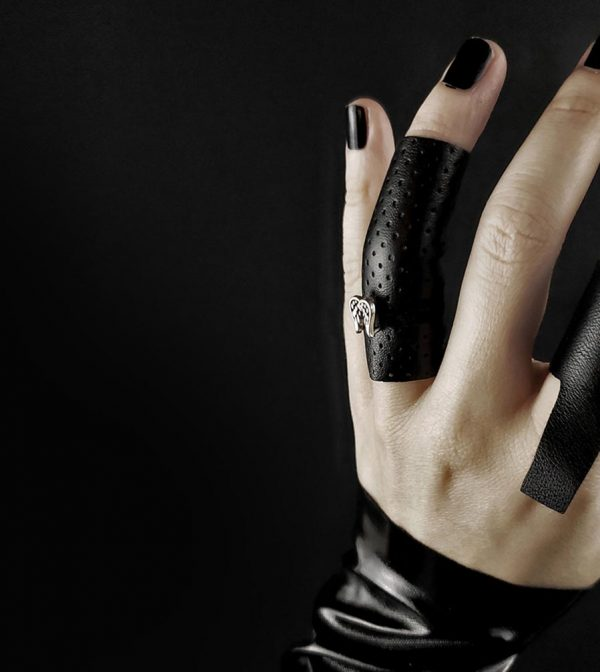 black-long-leather-ring-with-metal-silver-angels-wings-rannka-armor-collection-jewelry-detail