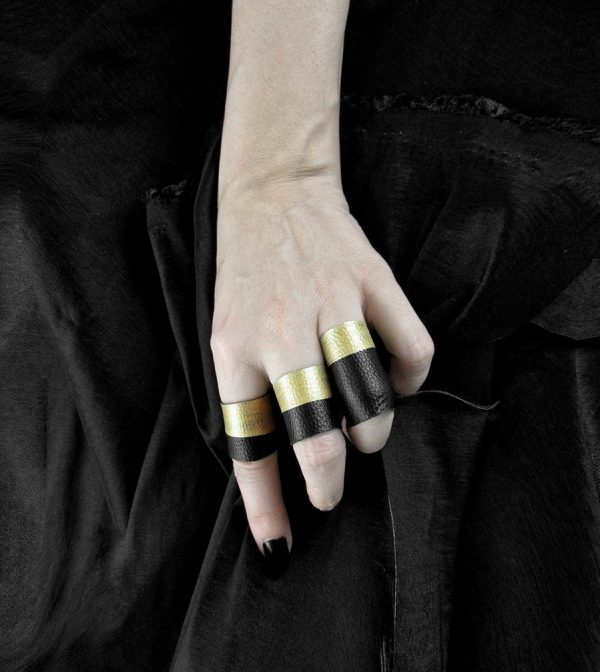 black-gold-dipped-rings-rannka