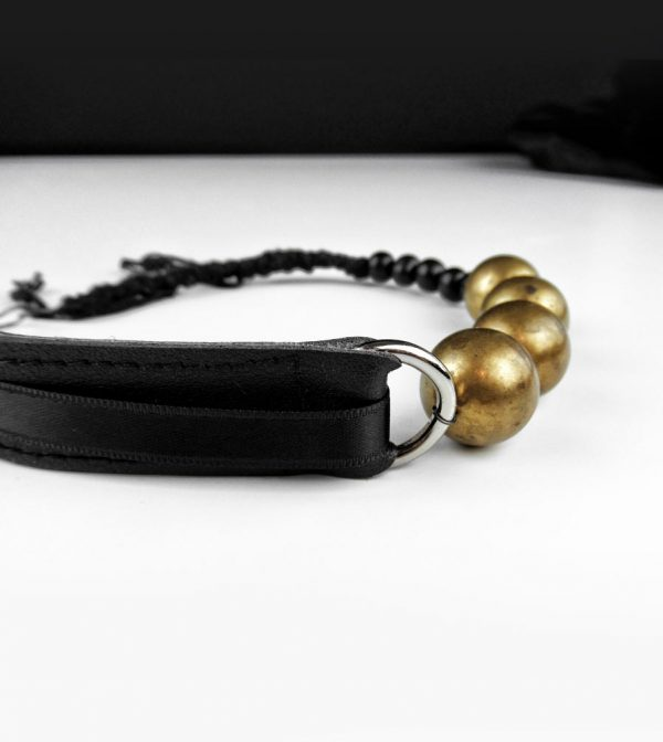 black-leather-raw-brass-choker-necklace-with-acai-black-beads-rannka-jewelry-detail-4