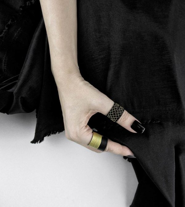 rex-collection-rannka-black-and-gold-rings