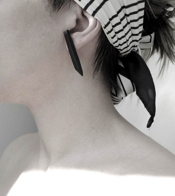 32–rannka-FABRIKA-earrings-loong-black-sterling-silver-and-silver-quarc-artisan-earring-jewelry-h