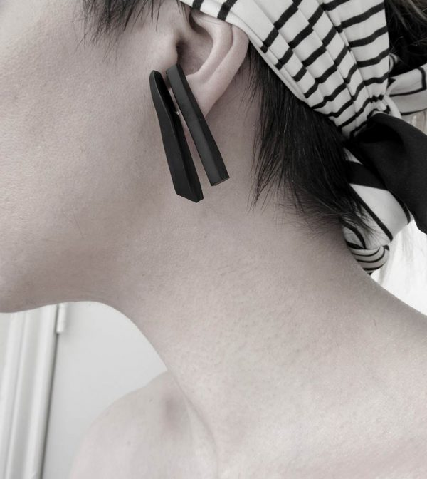 32–rannka-FABRIKA-earrings-loong-black-sterling-silver-and-silver-quarc-artisan-earring-jewelry-m