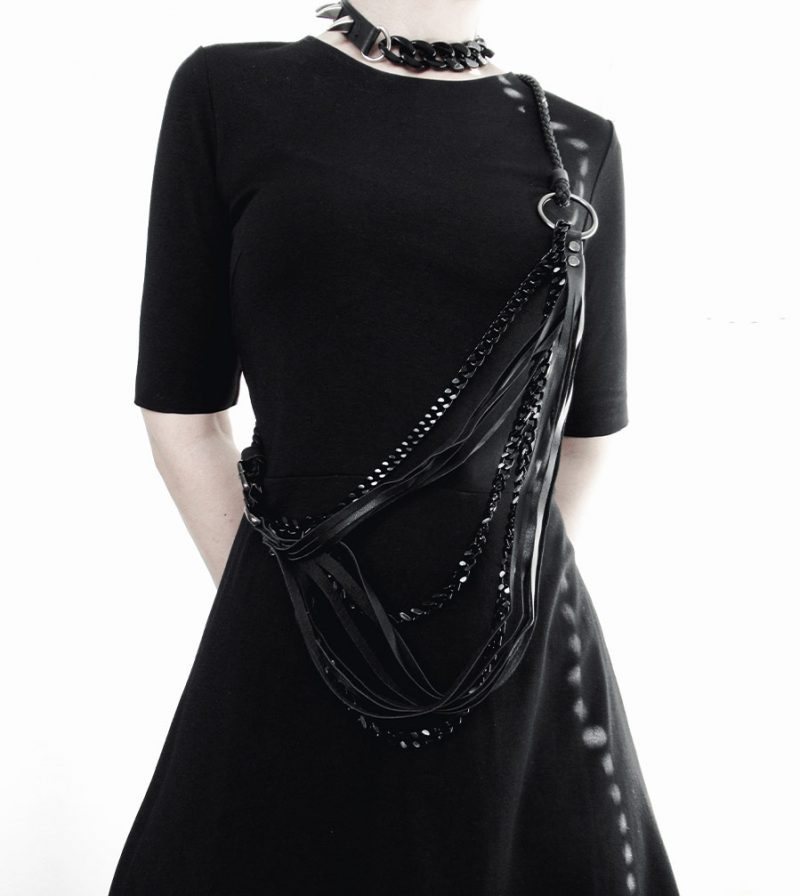 armor-collection-rannka-unisex-jewelry-black-vegan-necklace-and-rings-3