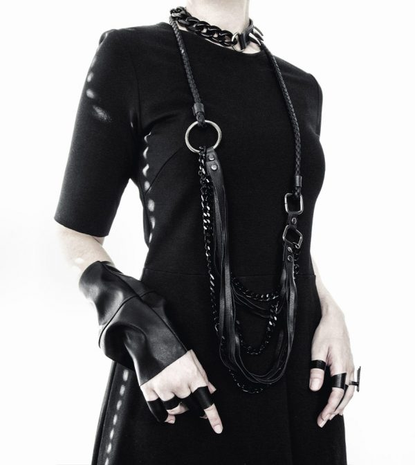armor-collection-rannka-unisex-jewelry-black-vegan-necklace-and-rings-4