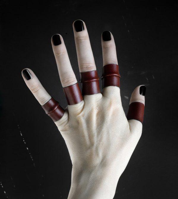 rosewood-rannka-dark-red-rings